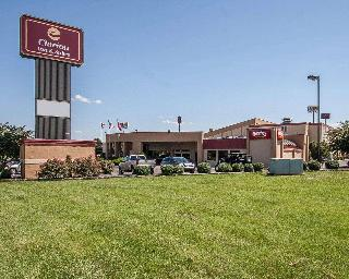 Clarion Inn & Suites, 2227 Old Fort Parkway,2227