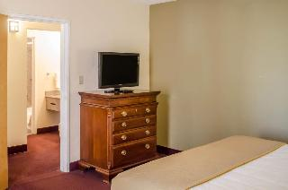 Quality Inn & Suites, 7601 Scenic Highway,