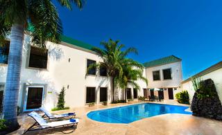 Brio Inn - Pool