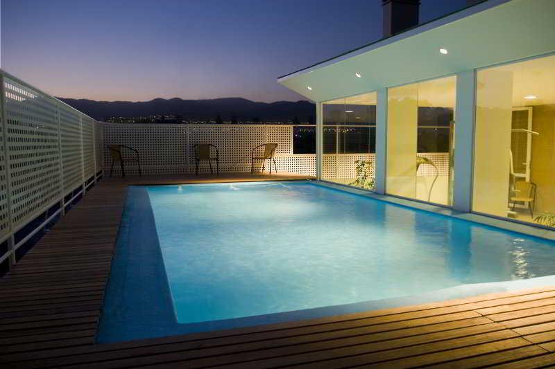 Urbana Class - Pool