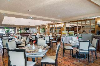 Quality Inn Suites Saltillo Eurotel - Restaurant