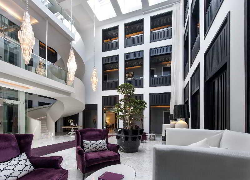 Queen Victoria Hotel - Diele