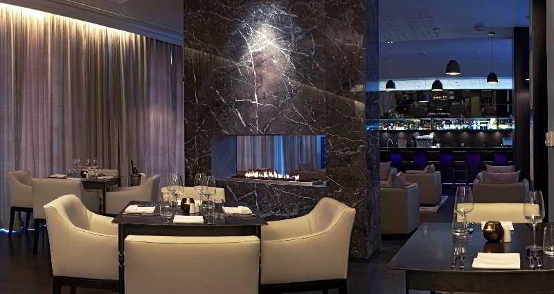 Queen Victoria Hotel - Restaurant