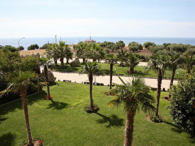 Il Partenone Resort…, Localita Guardia,