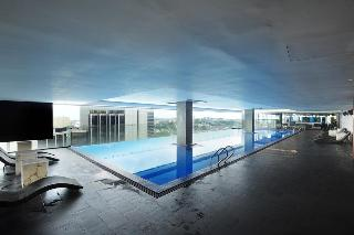 Empire Hotel Subang - Pool