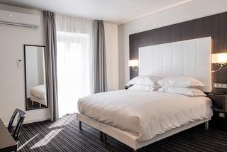 64 Nice Hotel