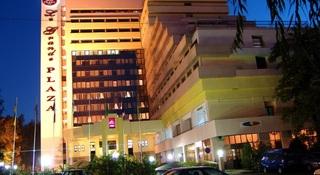 Le Grande Plaza Hotel, Uzbekiston Ovozi Str.,2