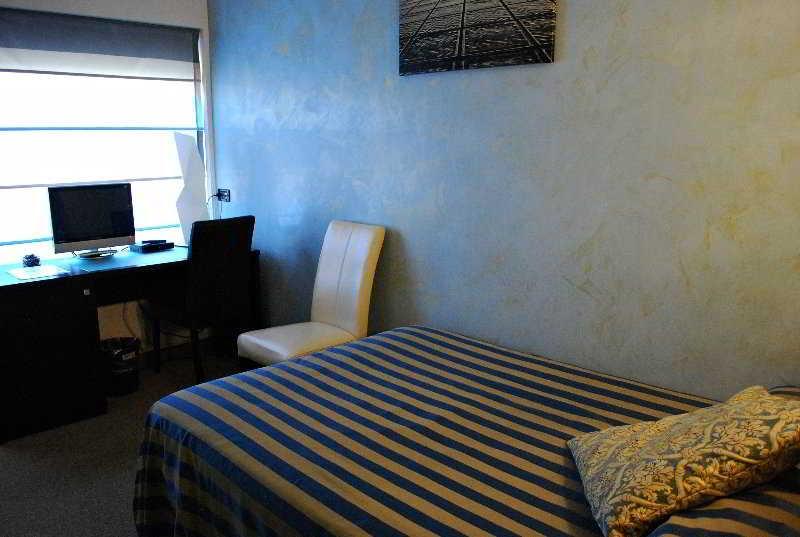 Hotel Feel Inn