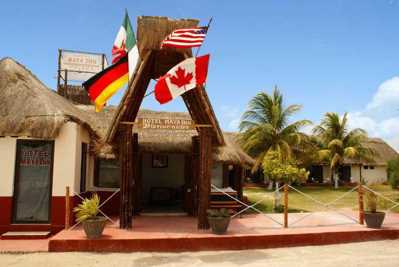 Maya Inn Holbox, Calle Benito Juarez Esq Con…