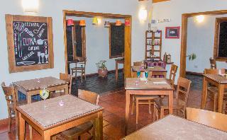 Koi Aiken - Bar