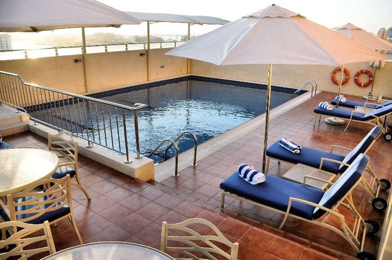 Al Hamra Hotel Sharjah - Pool