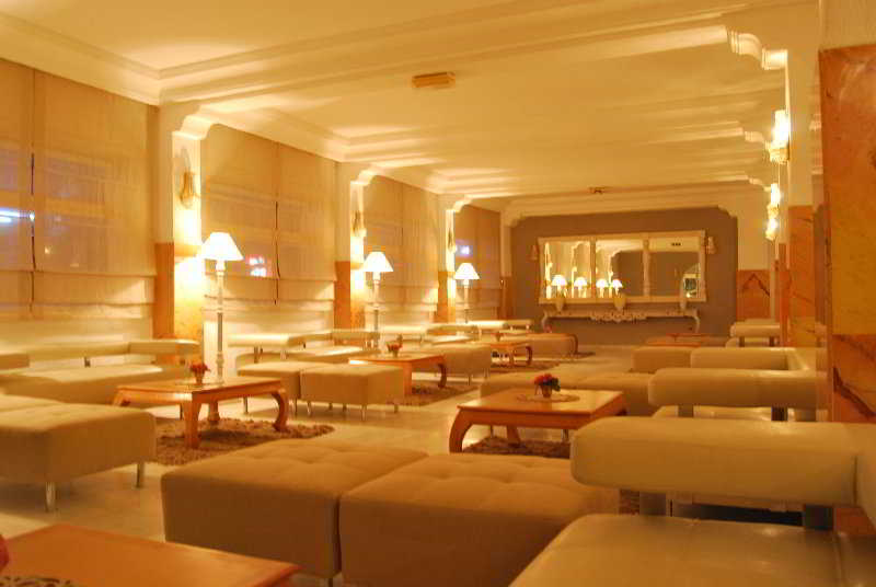 Karawan Beach & Resort Hotel