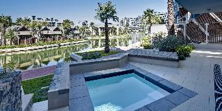 Lawhill Luxury Apartments - Pool