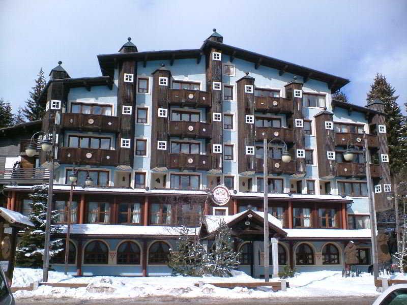 R. T. A Hotel Catturani