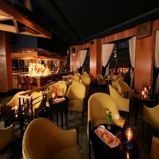 Diamond Hotel Philippines - Bar