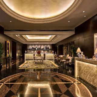 Diamond Hotel Philippines - Diele