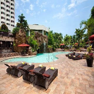 Diamond Hotel Philippines - Pool