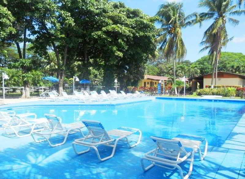 Las Espuelas - Pool