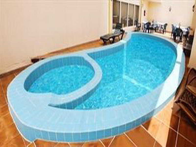 Grand Qatar Palace - Pool