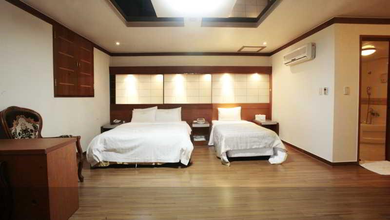 The Hotel Silkroad, 1022-1 , Ingye-dong,paldal-gu,
