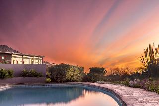 Colourful Manor Luxury Lodge - Pool
