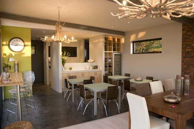 Colourful Manor Luxury Lodge - Restaurant