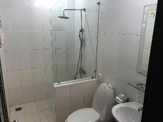 Canary Hotel Hue, 37 Nguyen Cong Tru Street,…