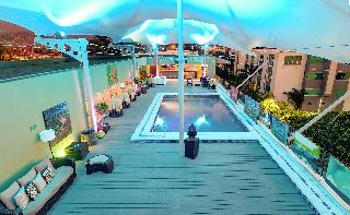 Studio Hotel - Pool