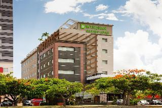 LQ Hotel by La Quinta…, Av. Tulum Sm. 4 Mza. 14 Entre…