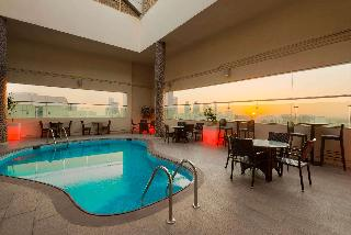 Ramada Downtown Hotel Abu Dhabi - Pool
