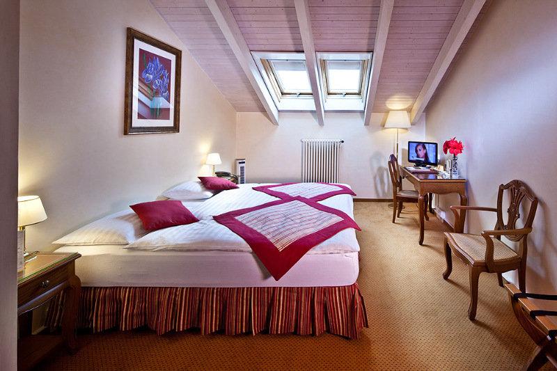 De La Nouvelle Couronne Hotel - Zimmer