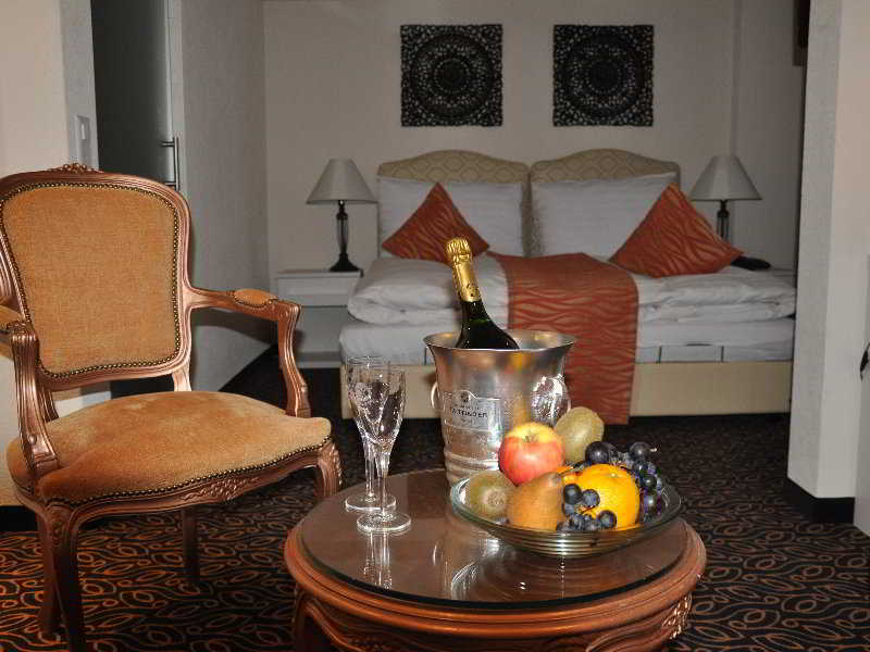 Posthotel Holiday Villa Arosa - Zimmer