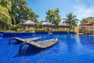Crimson Resort & Spa Mactan - Pool
