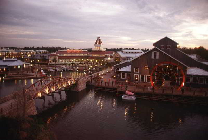 Disney`s Port Orleans Riverside Package
