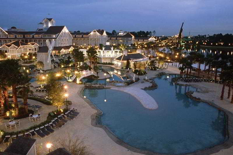Disney`s Beach Club Resort Package