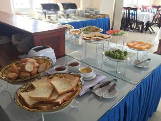 Queen Hotel Danang, 41 Nguyen Huu Tho,