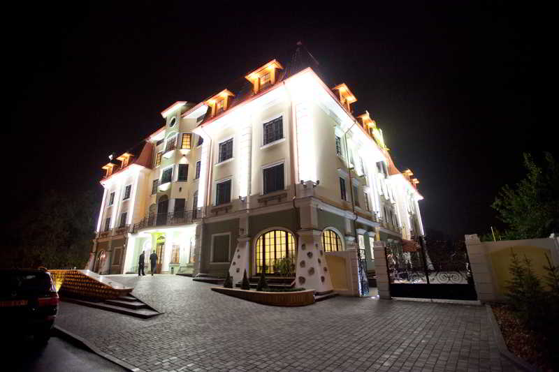Hermitage, Chkalova Str.,7