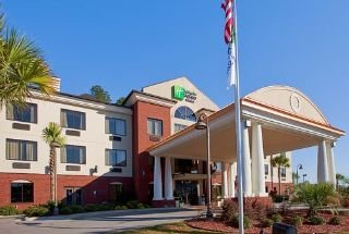 Holiday Inn Express & Suites Pensacola