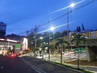 Hotel Sky Medellín, Carrera 30, 9a-47,