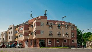 Vigor Hotel, Jozef Atile 2,2