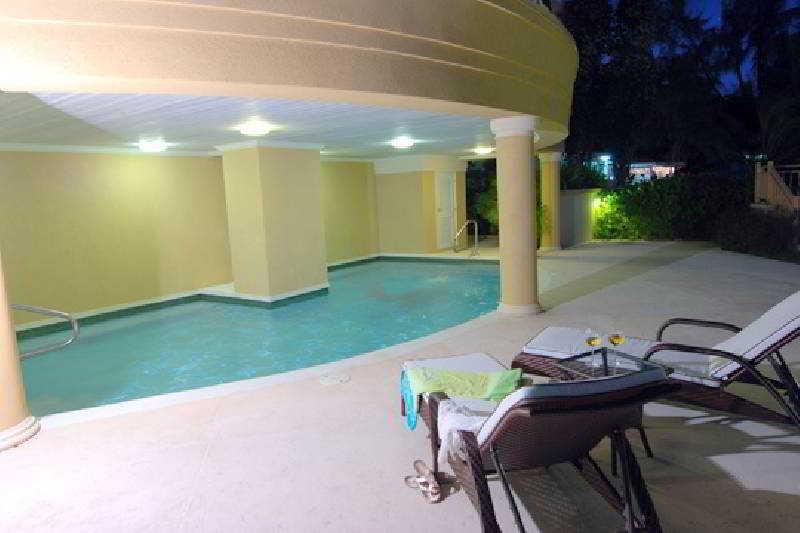 White Sands Beach Condos - Pool