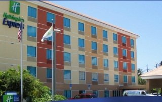 Holiday Inn Express Convention Center/cruise Port