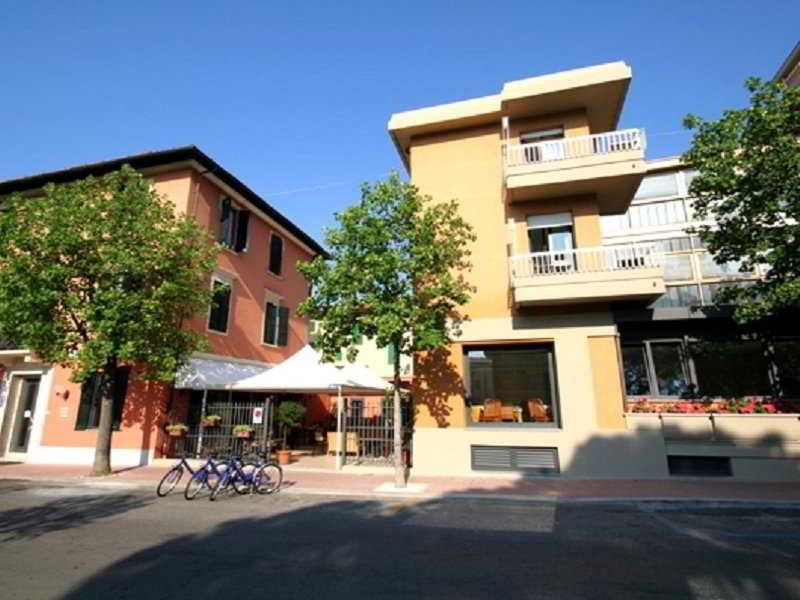 Montebello Hotel, Via Montebello,54