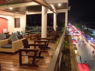 Indigo House Hotel, Sisavangvong Road,