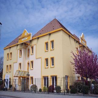 Premiere Classe Nantes…, Rue Du Moulin De La Rousseliere,