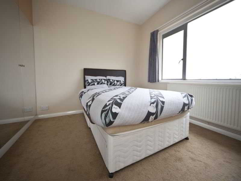 Chic Zone 2 London Apartment