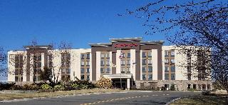 Hampton Inn Carlstadt - At The Meadowlands