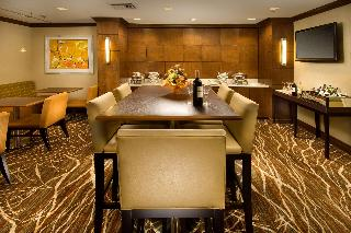 DoubleTree by Hilton Hotel Sterling Dulles