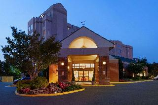 Homewood Suites by Hilton Falls Church - I-495 @