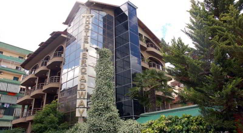 Broadway Hotel, Street Emin Durrako,